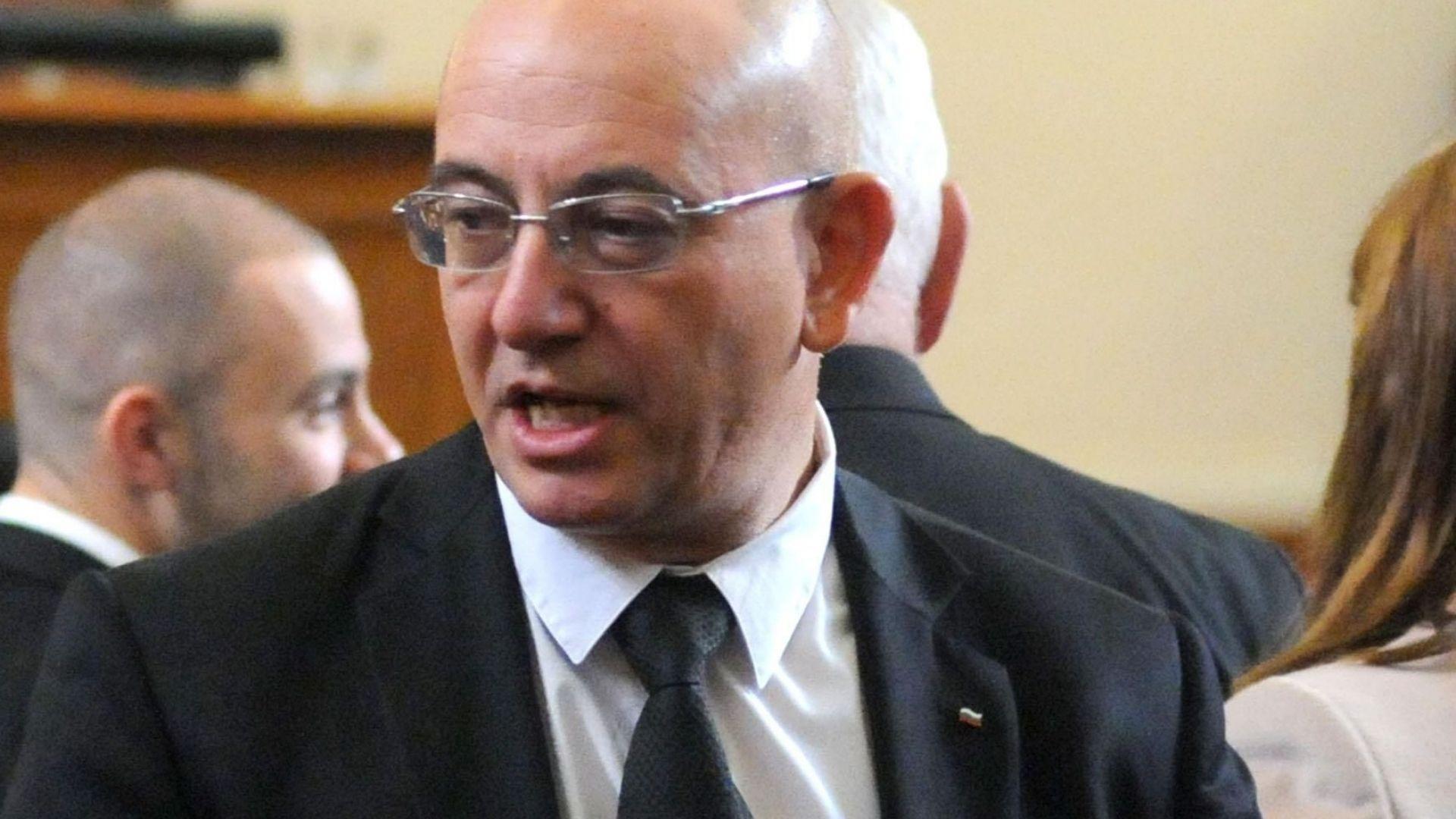 Емил Димитров: Целта на новия закон за горивата е да изчисти сектора от нелегалните търговци