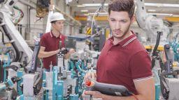 Близо 65 000 души работят в автомобилния сектор в България