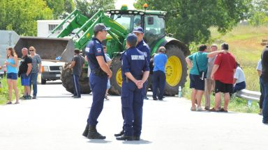 Животновъди блокираха пътищата в община Болярово