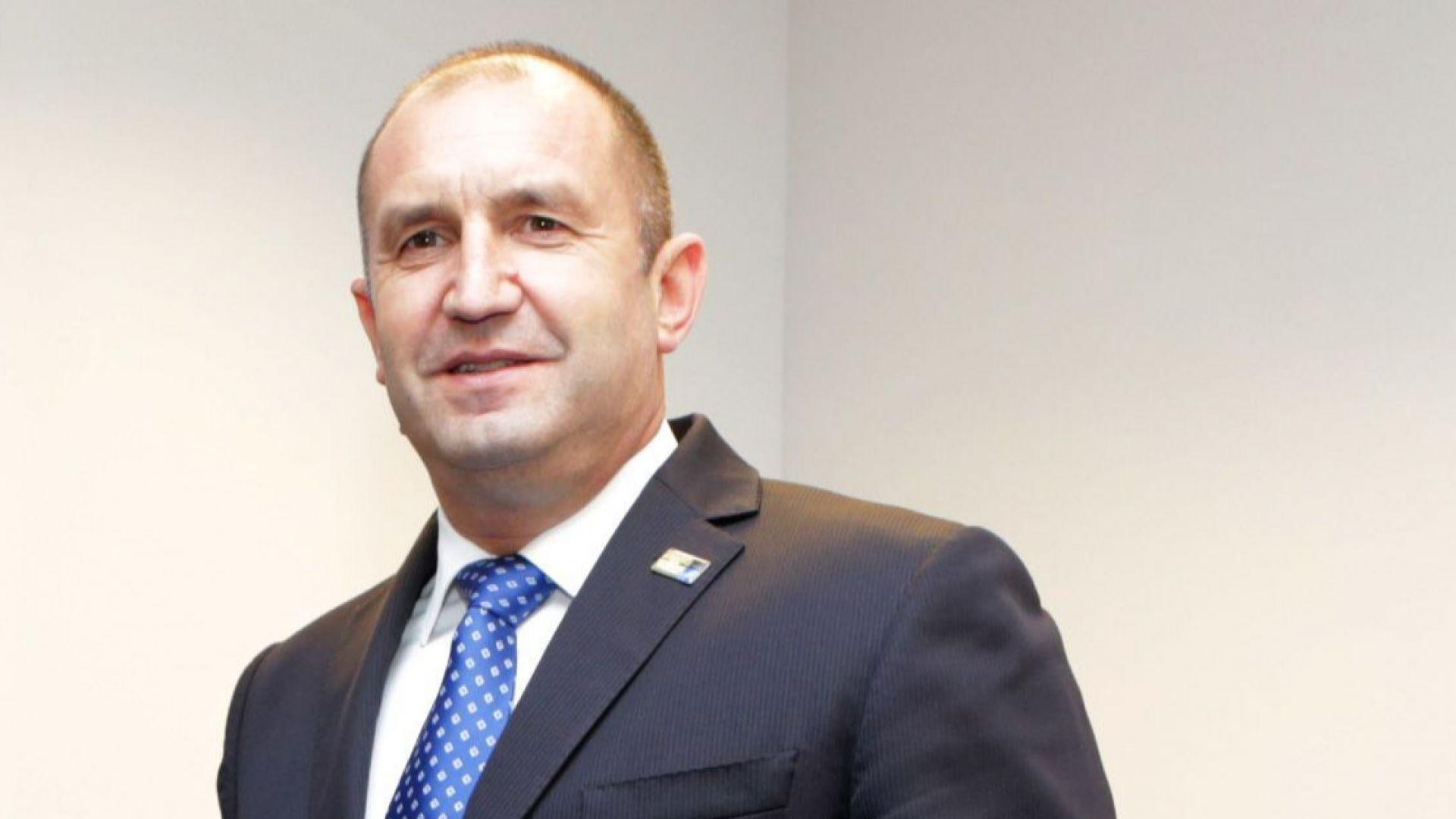 Президентството: Държавният глава не е в България, няма как да разпише освобождаването на Маринов