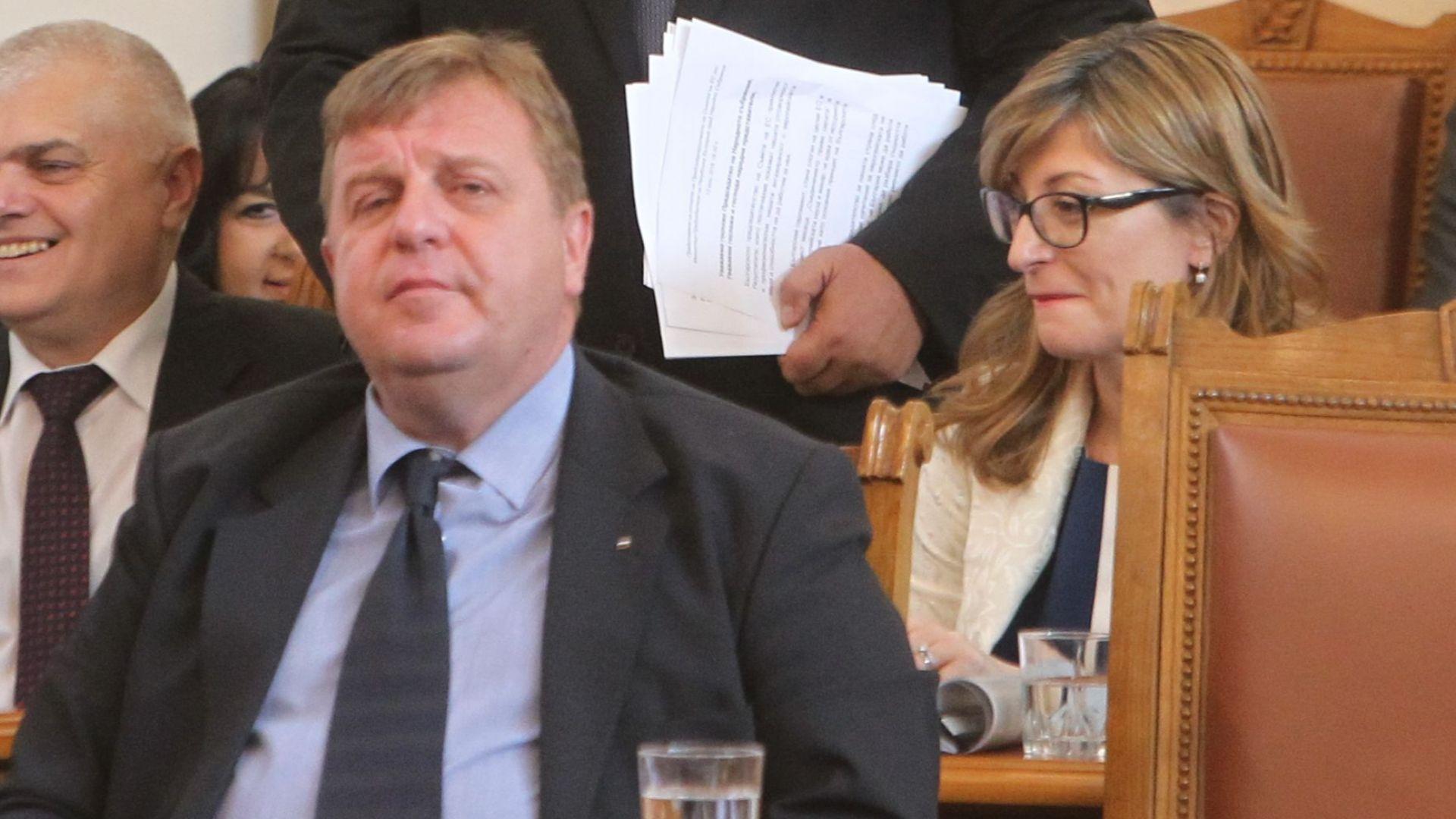 Каракачанов: Като слушам дебатите, се сетих защо в ада на българския казан няма пазачи