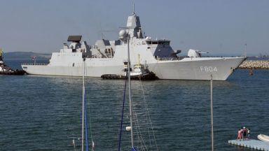"""Голямо мнозинство в НС гласува """"за"""" повече пари за бойни кораби"""