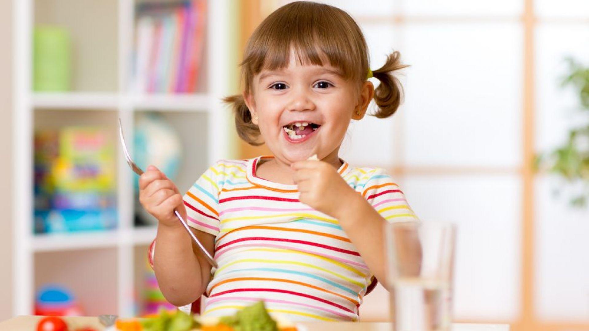 Как да накараме детето да опитва нови храни