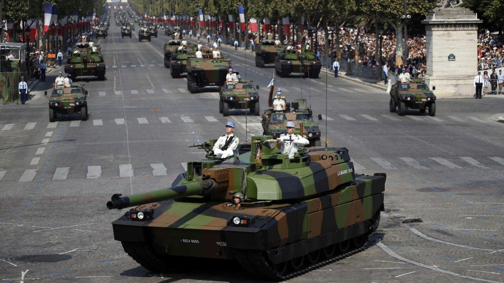 220 бойни машини на Шанз-Елизе