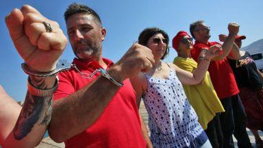 Рим пита кои страни от ЕС ще приемат от спасените в морето 450 мигранти