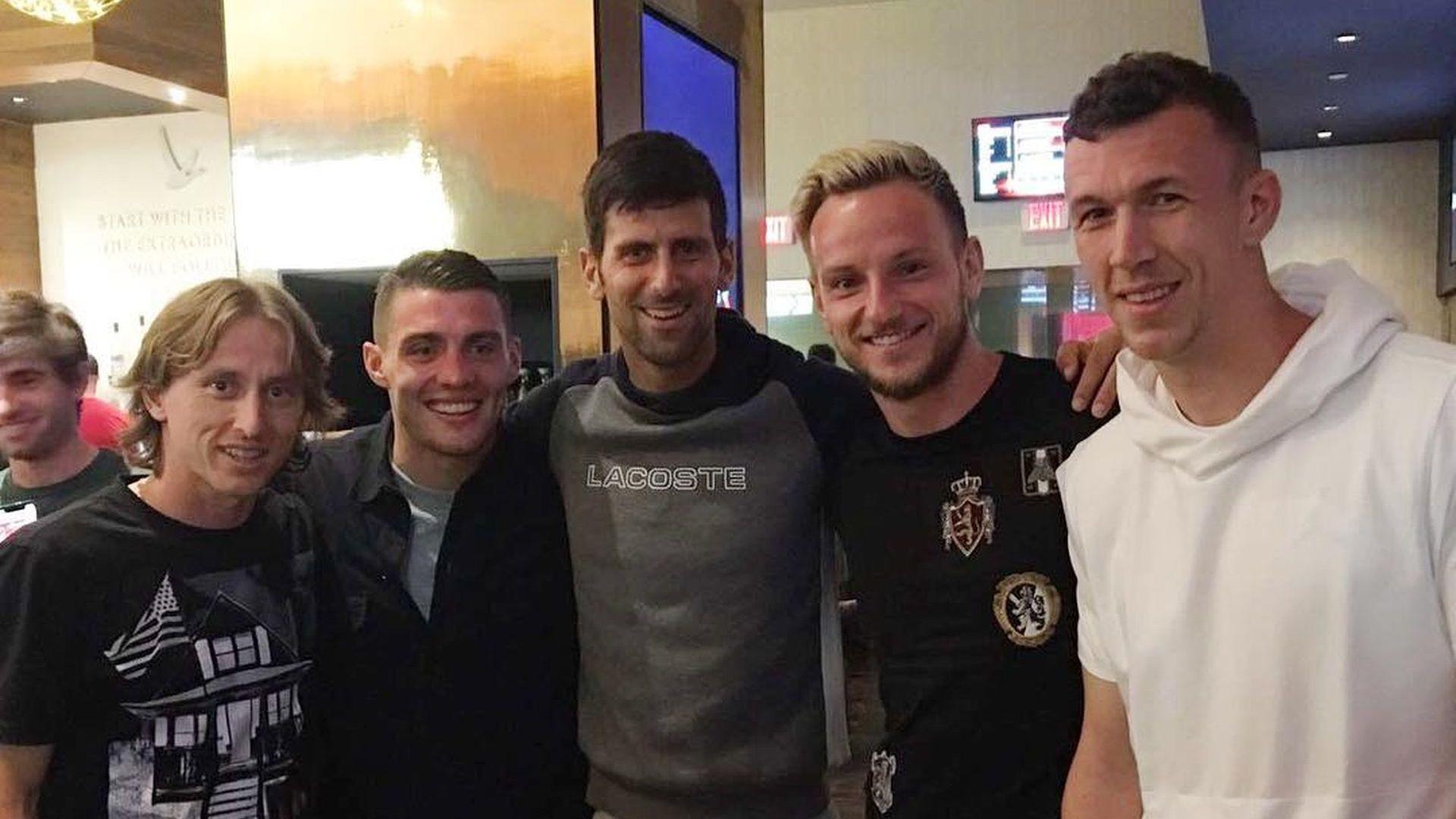 Скандали в Белград: Как така Ноле Джокович подкрепя хърватите!?