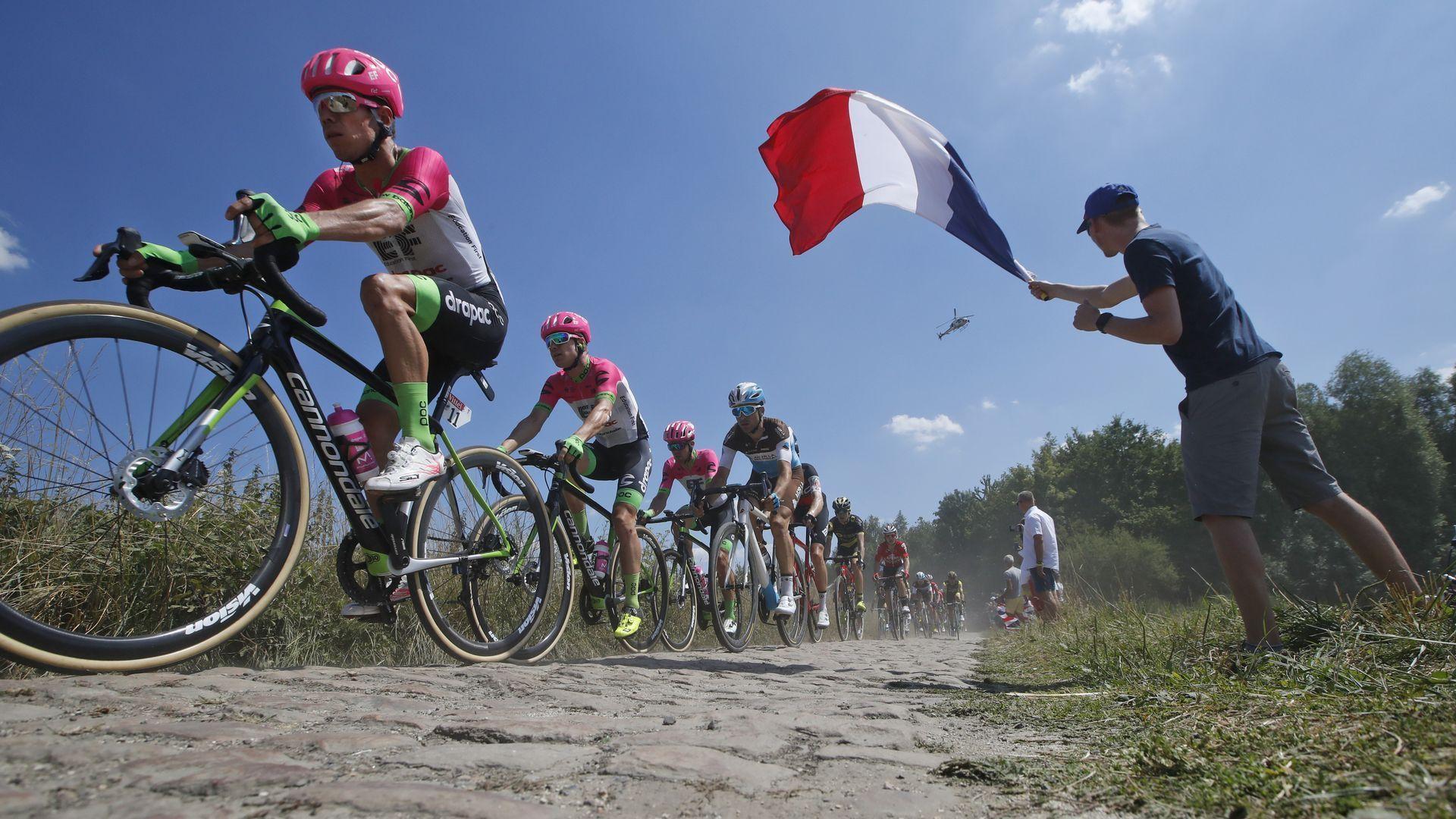 """Тур дьо Франс"" изглежда обречен заради новите мерки на Макрон"