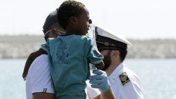 Малта подслони 44 мигранти, които Италия отказа да приеме