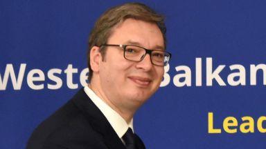 Сръбският президент гостува на Макрон, Брюксел го натиска за Косово