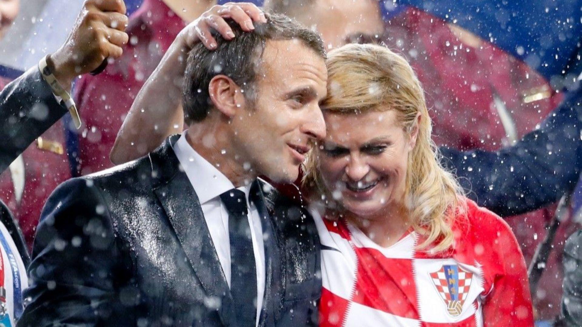 Еманюел Макрон и хърватската президентка Колинда Китарович се разцелуваха на финала на Мондиала