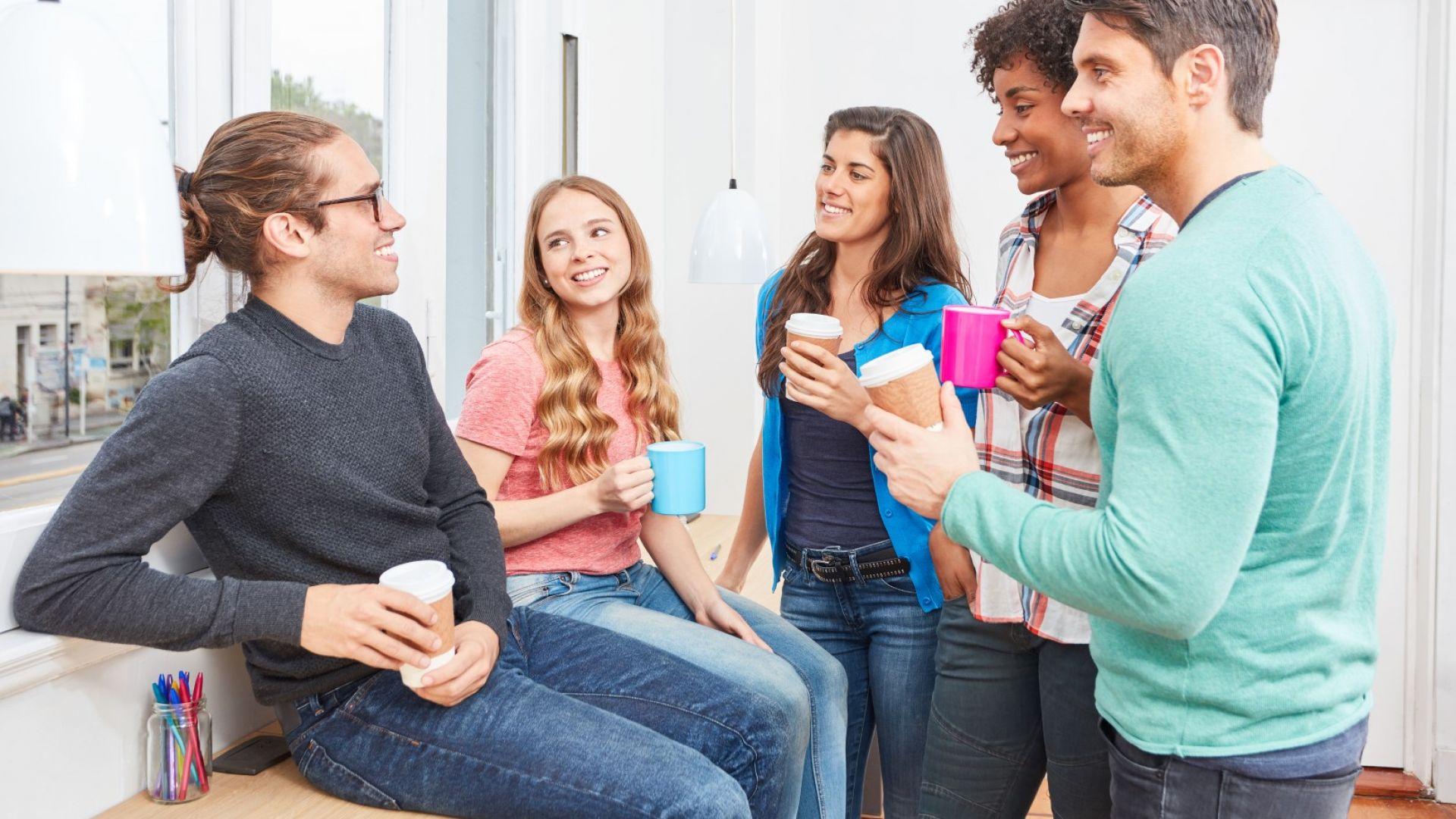 Бъбренето с колегите е полезно за здравето като приятелството