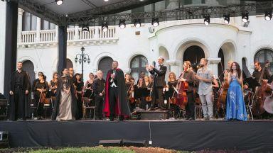 """Софийската филхармония приключи сезона с изключително успешни концерти в двореца """"Врана"""""""