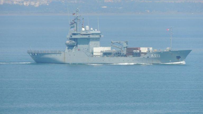"""Корабите, участващи в учението """"Бриз 2018"""", тренираха разчистване на мини"""