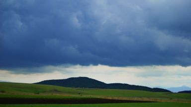 Облачен атлас: слоесто-дъждовни и високослоести облаци