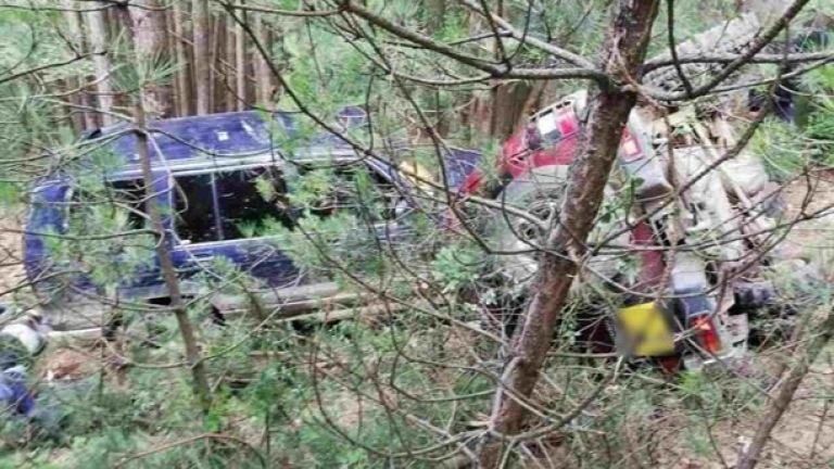 Граничари стрелят и катастрофират при задържането на двама каналджии и 26 чужденци