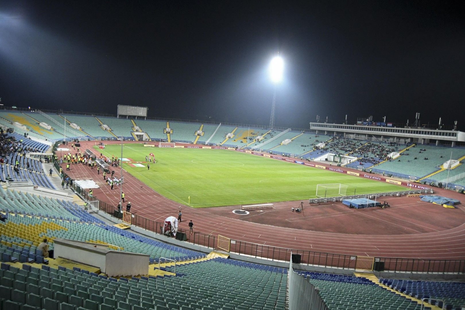Dir.bg ви пита: Има ли нужда от нов Национален стадион и къде да е той?