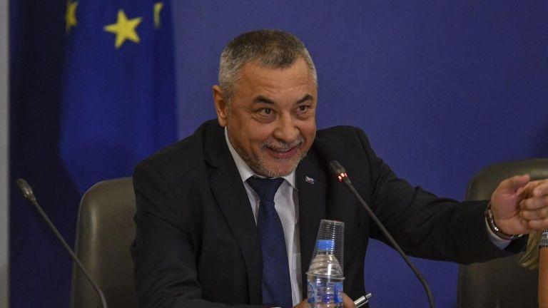 Симеонов и Сидеров пак в спор: Законопроектът срещу шума няма да бъде изтеглен