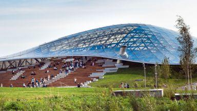 Валерий Гергиев и Рикардо Мути откриват архитектурен шедьовър с форма на летяща чиния