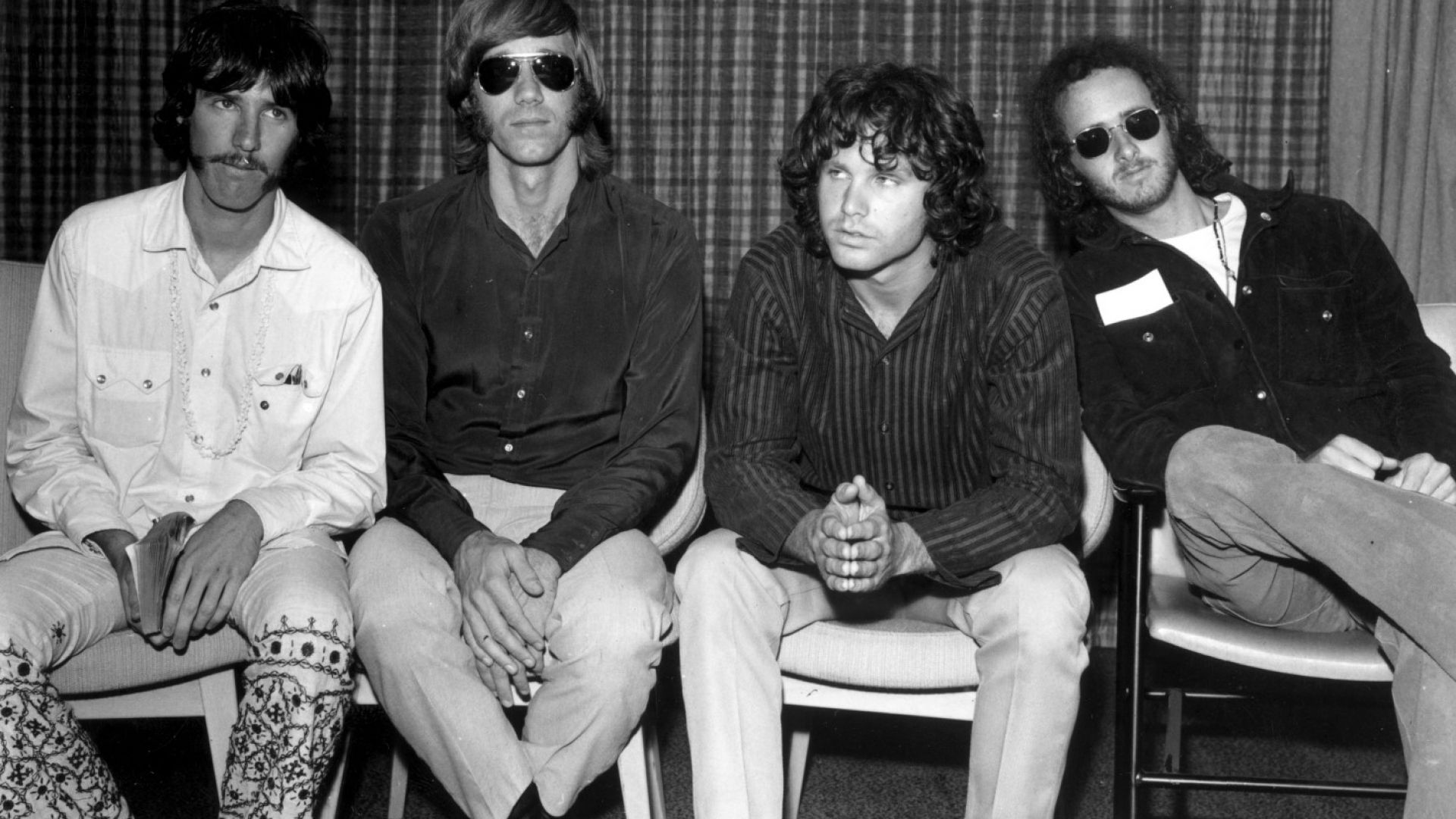 Почина студийният басист на The Doors