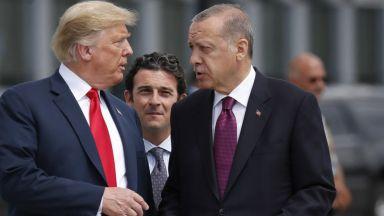 Тръмп обезцени турската лира с 19% за часове