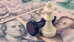 Търговската война между САЩ и Китай се прехвърли на финансовите пазари