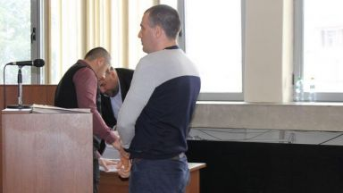 Арестуваха Ембака, за да го вкарат в затвора