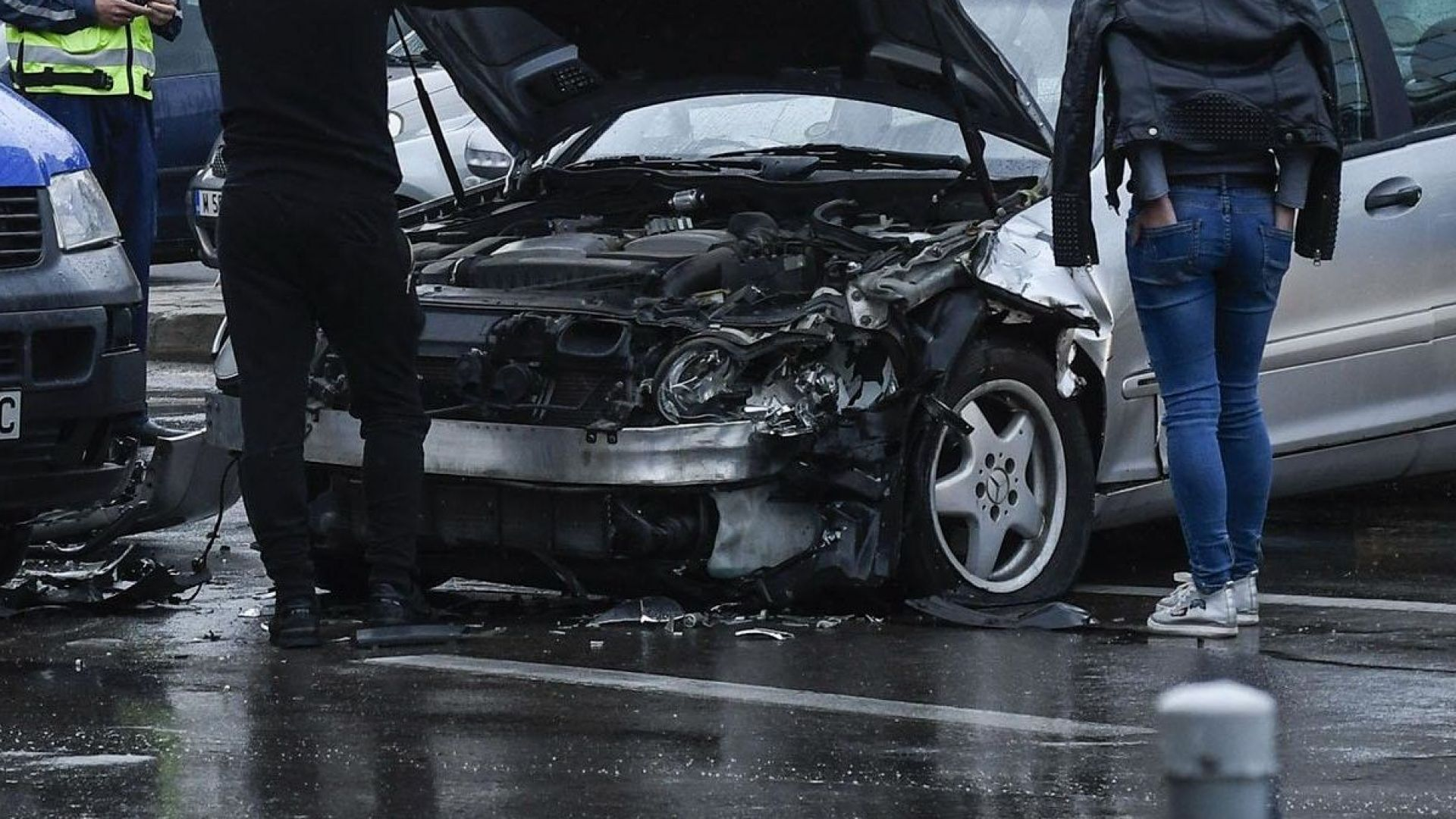 Задържаха втори джигит в София, потрошил 8 коли