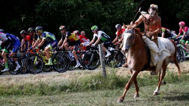 """Винету се появи на """"Тур дьо Франс"""""""