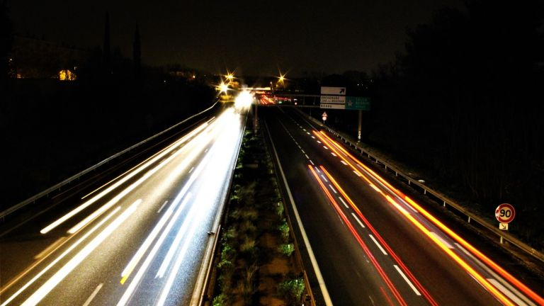 Пловдивчанка скочи от ТИР в движение на френска магистрала