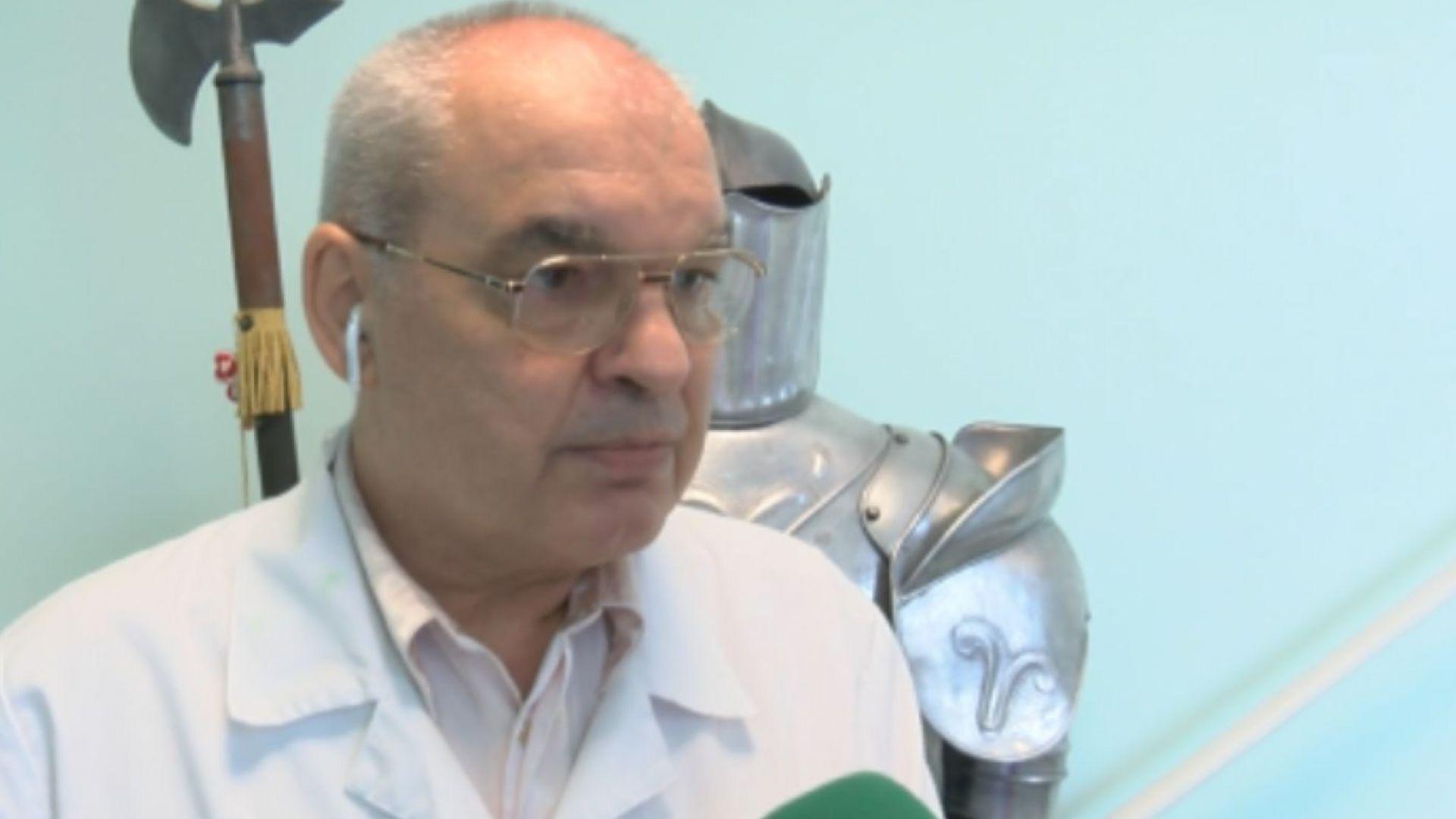 Професорът, изработил уникални протези за малката Еля, е правил роботи