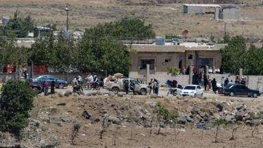 Стотици Бели каски бяха евакуирани от Сирия с помощта на Израел