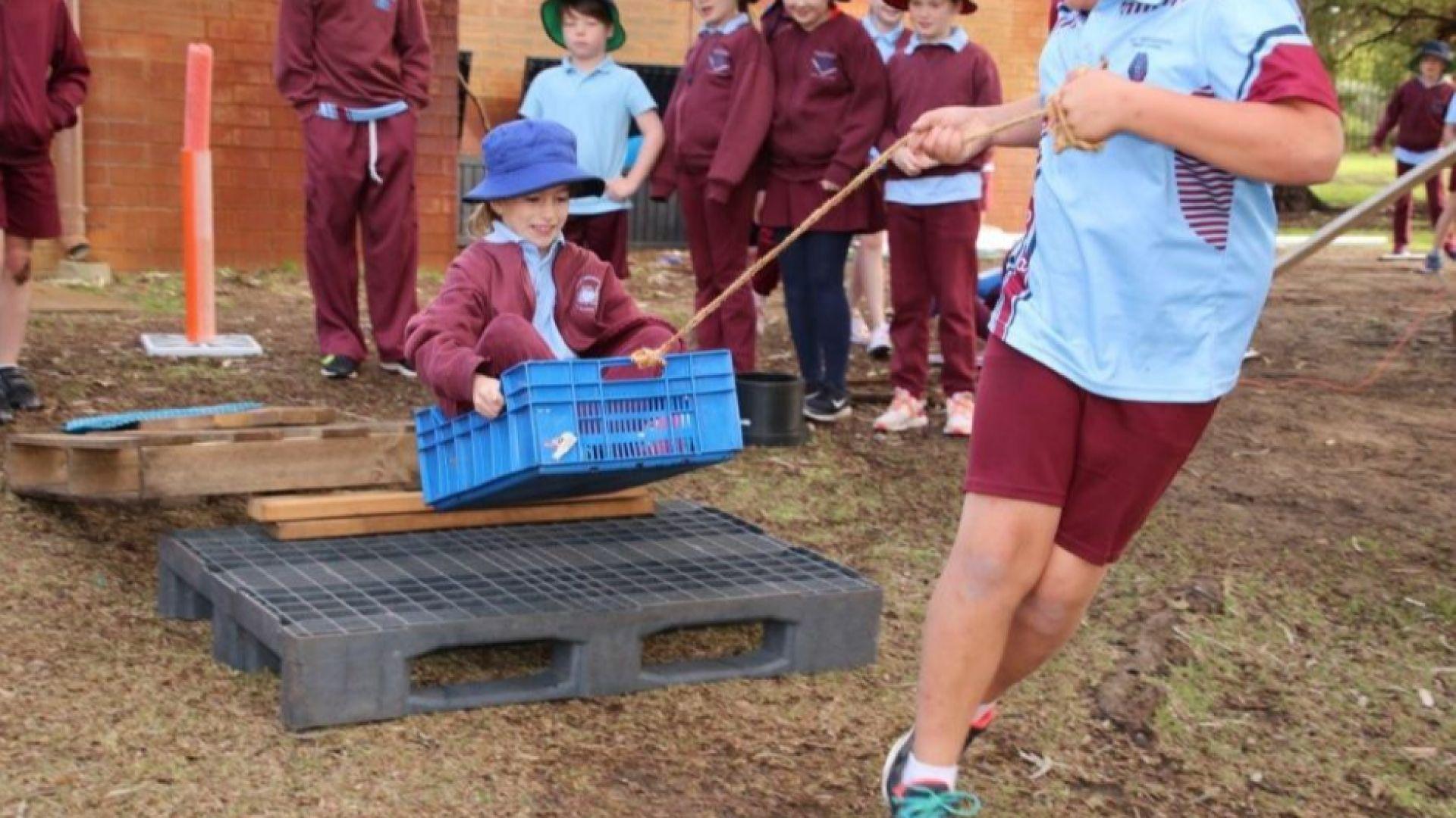 Училища връщат децата в природата и ги излагат на риск, за да станат силни, здрави и мислещи творци