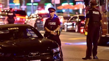 Стрелец окървави улиците на Торонто, 9 ранени (видео)