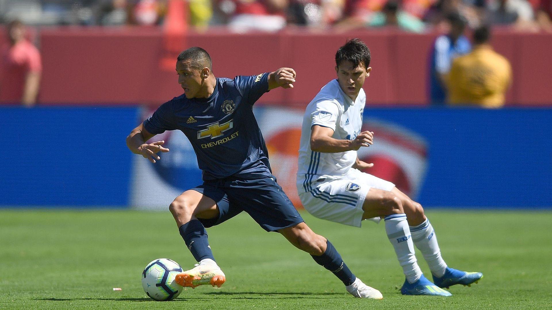 """""""Юнайтед"""" отново без победа, но Санчес се включи за първи път в САЩ (видео)"""