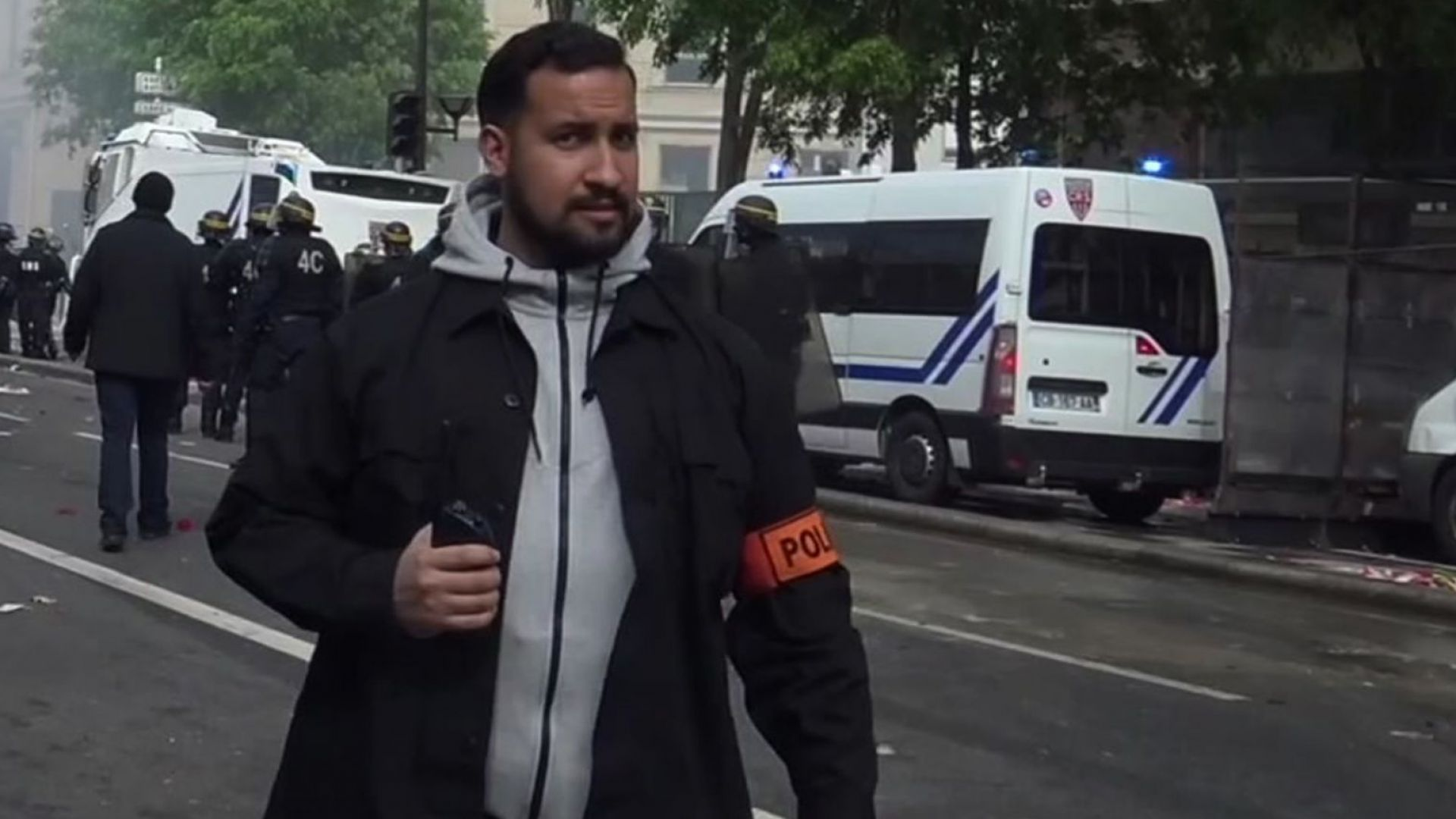Александър Бенала по време на проеста на 1 май