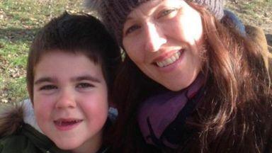 Британски майки издействаха лечение с марихуана за децата си