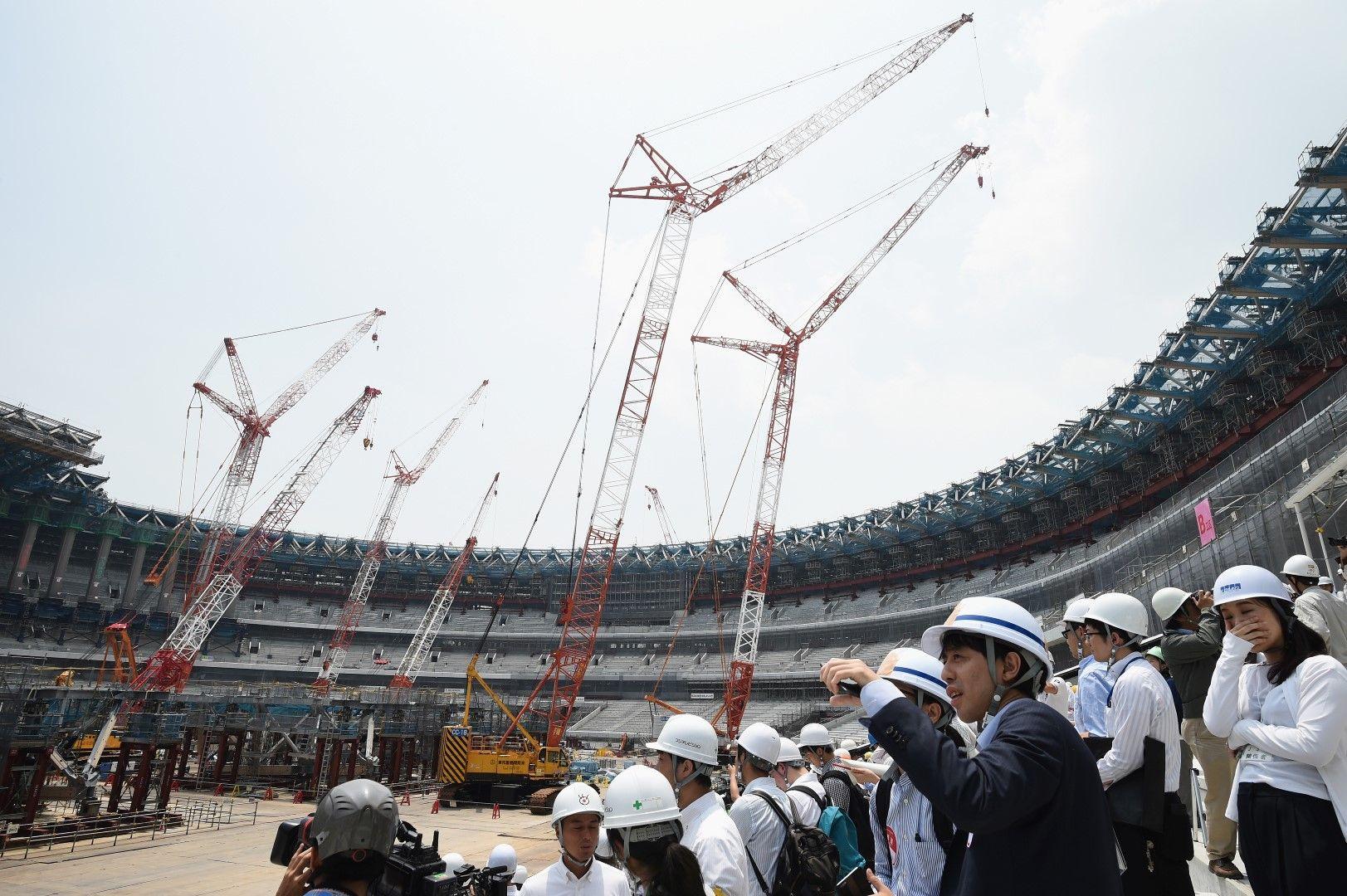 Строежът на Олимпийския стадион струва 1,2 милиарда долара.