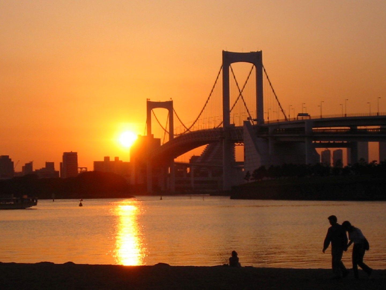Силуетът на Токийския залив.
