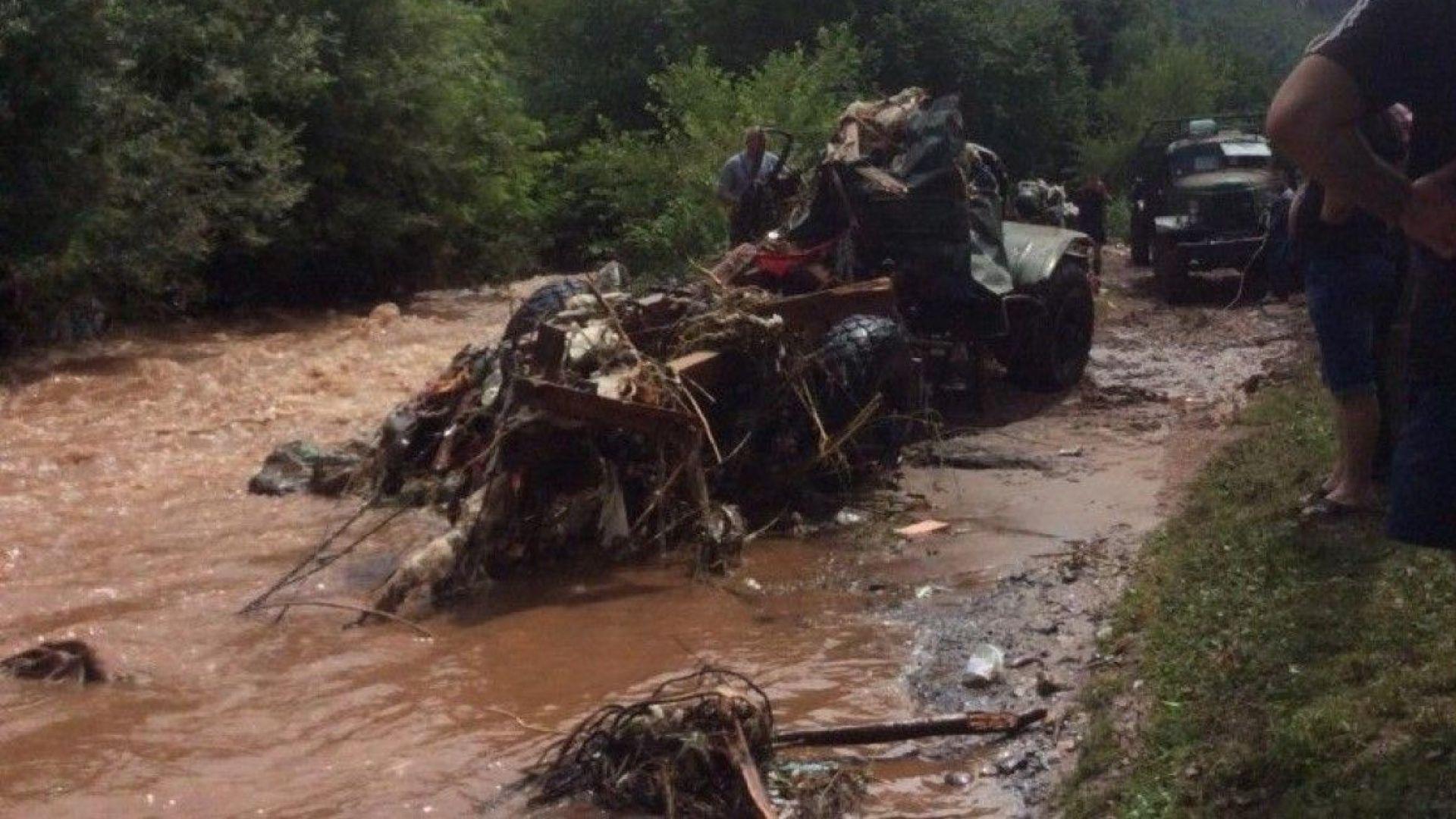 Потопът в Тетевен взе жертва (видео)