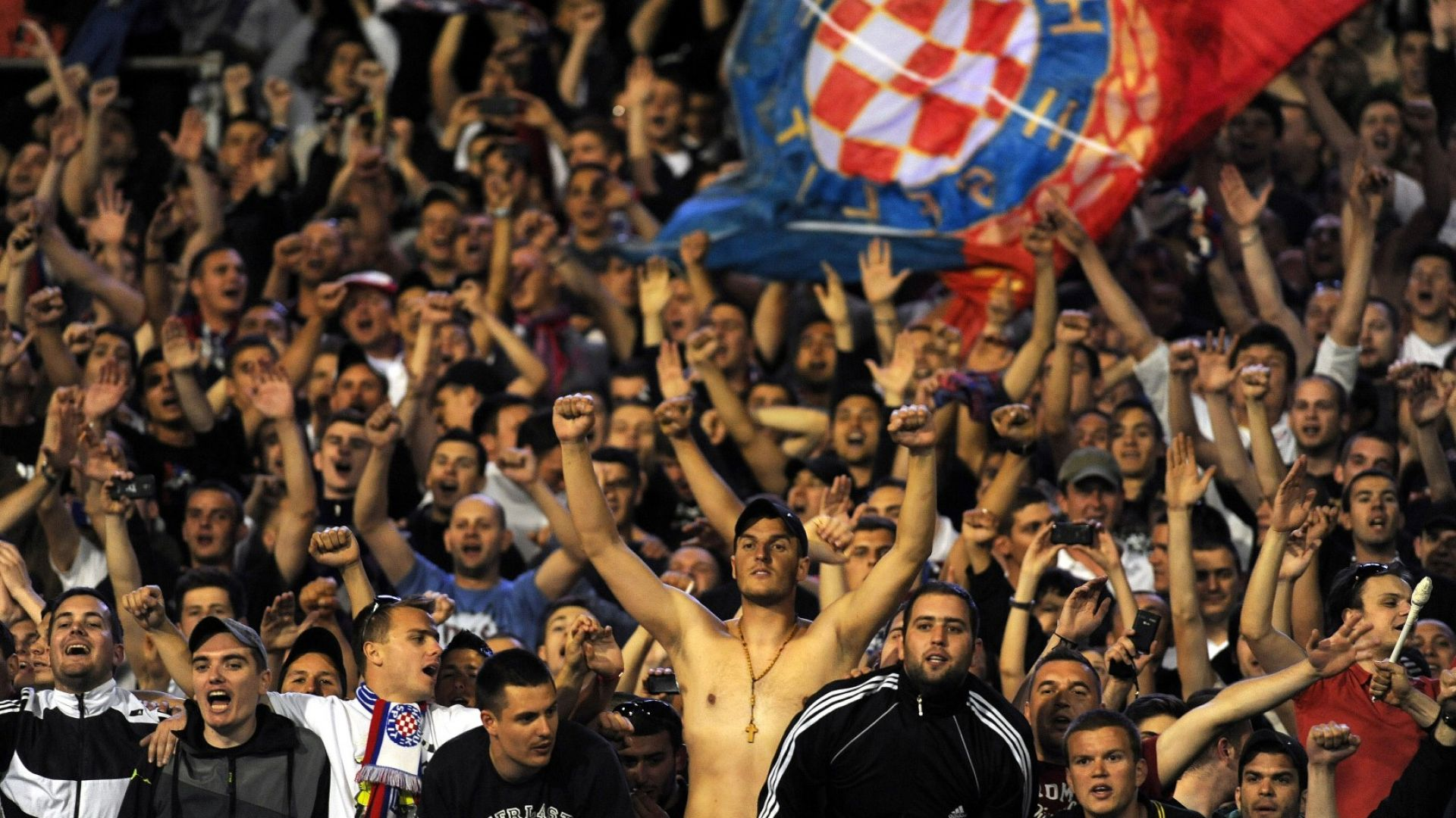 400 хървати пристигат в София, полиция и жандармения ги чакат