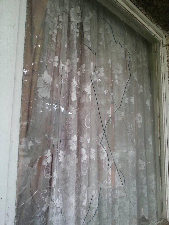 Стъклото е потрошено около 1 часа