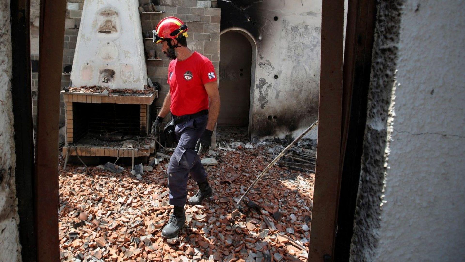 Пожарите и смъртта са Божие наказание заради премиера-атеист Алексис Ципрас, заяви гръцки митрополит