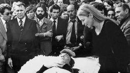Преди 38 години се сбогувахме с незабравимия бард Висоцки