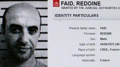 Френският престъпник Фаид, който избяга с хеликоптер от затвора, засечен в кола с експлозиви