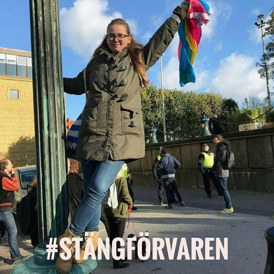 Студентката е активистка за правата на мигрантите
