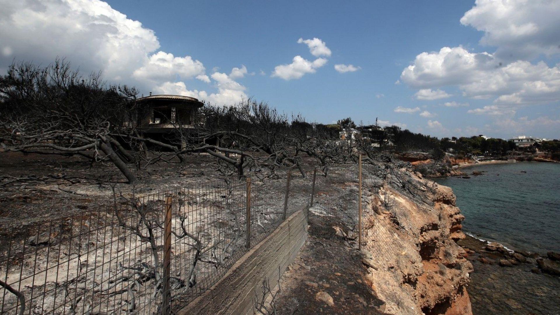 Изгорели околности на курорта Мати