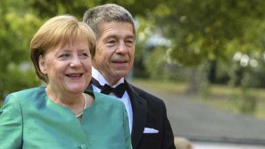 Къде е германската канцлерка Ангела Меркел?