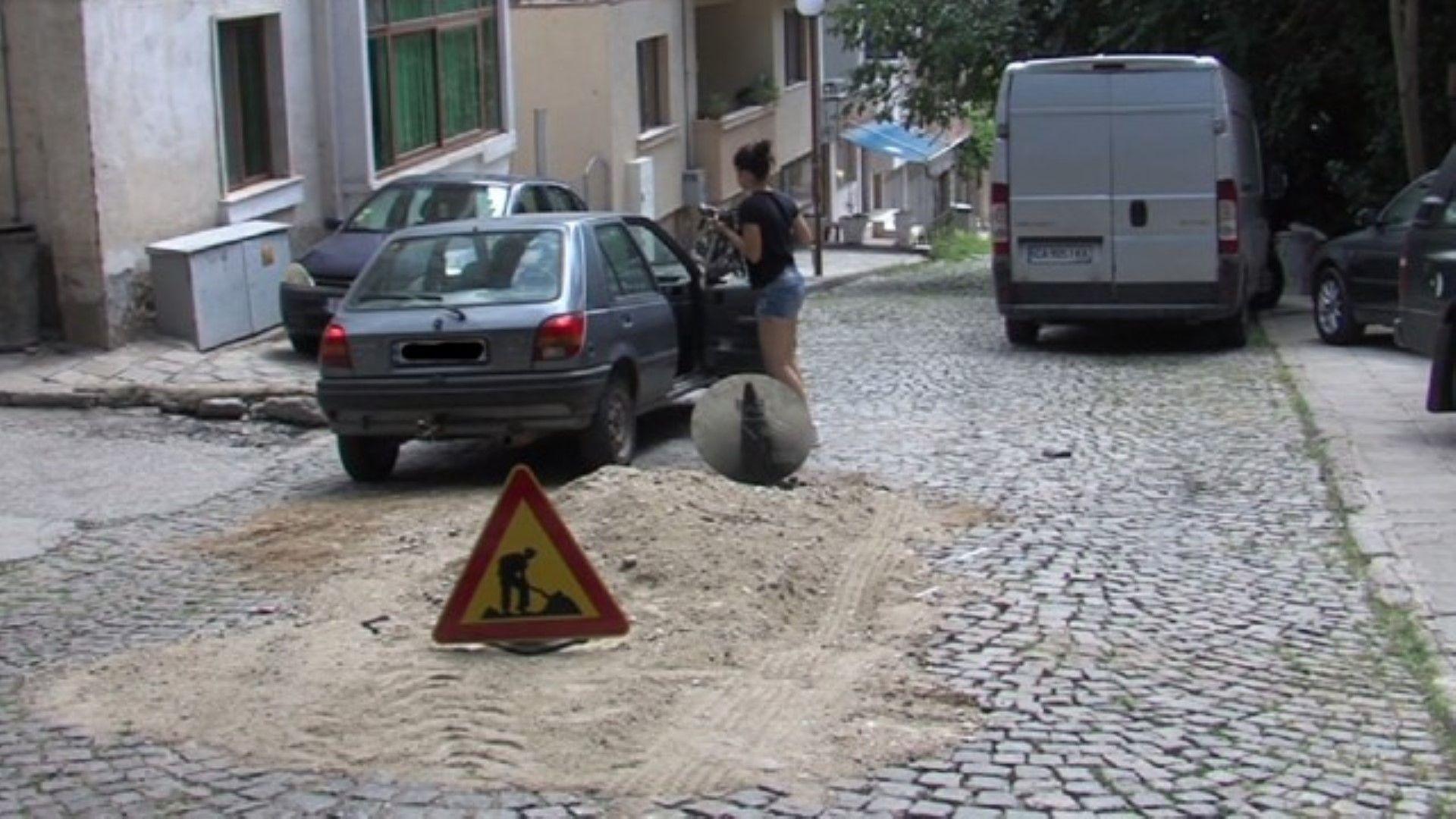 """Докараха в """"Пирогов"""" детето, което възрастен шофьор блъсна на тротоар"""
