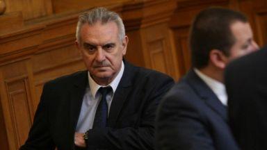 Скандал в НС - Сидеров обвини депутат от НФСБ, че го е бутал, той отрича