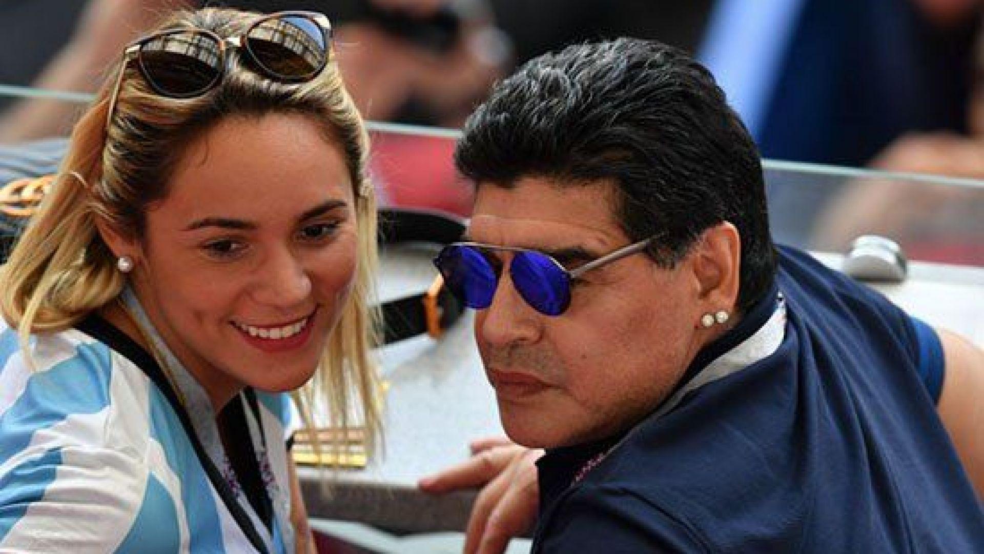Марадона отново куфее в неадекватно състояние (видео)